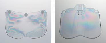 写真4 新旧シールド面の歪み(左:旧型シールド面、右:新型HGシールド)